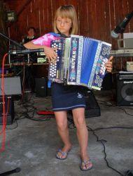 Mlada harmonikašica